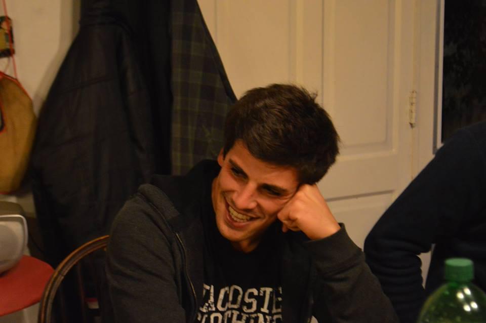 """Claudio Fuentes: """"Estoy soltero y a una mujer le miro primero la sonrisa"""""""