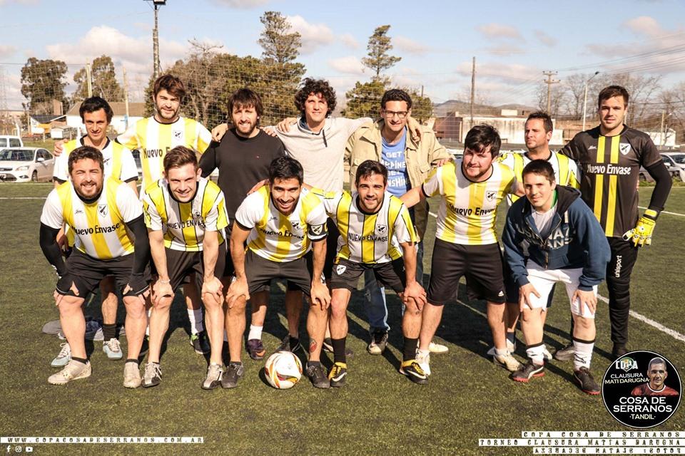 Lluvia y juego en Independiente